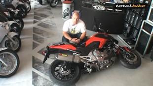 totalbike_fekszik_a_motor